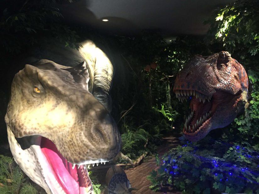 変なホテル 恐竜