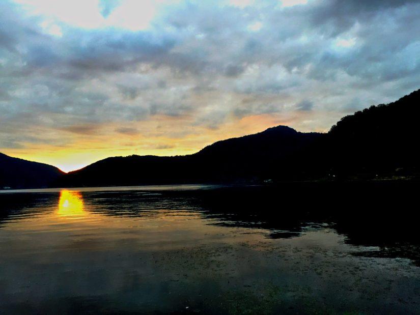 水月湖の夕日